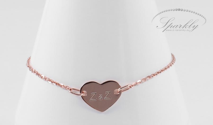 Přívěšek symbolizující čistou lásku. Ideální dárek pro člověka, který je Vám ze všech nejdražší. Špe